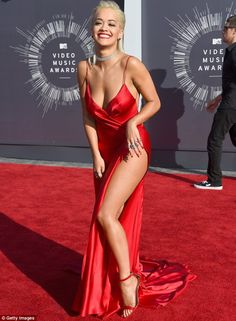 Rita Ora Leaves Little to the Imagination on the MTV VMAs 2014 Red Carpet!: Photo Rita Ora shows off her long legs with an ultra-high slit in her dress at the 2014 MTV Video Music Awards held at The Forum on Sunday (August in Inglewood, Calif. Rita Ora, Music Awards 2014, Mtv Video Music Award, Sexy Outfits, Sexy Dresses, Crazy Outfits, Evening Dresses, Inka Williams, Outfit Des Tages