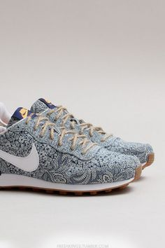 Nike wmns Internationalist Liberty QS (Blue Recall / White - Atomic Mango…
