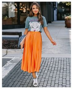 Orange Skirt Outfit, Striped Skirt Outfit, Yellow Skirt Outfits, Long Skirt Outfits, Midi Skirt Outfit, Winter Skirt Outfit, Pleated Midi Skirt, Modest Outfits, Modest Fashion