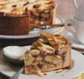 Een toptaart met appels, bitterkoekjes én apfelkorn!