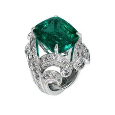 20 Most Beautiful Emerald Rings From All Over The World