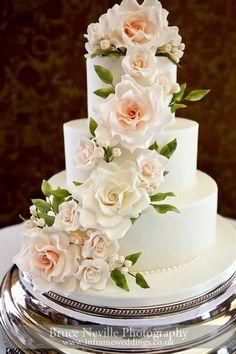 Dort marcipánový * svatební - zdobený překrásnými růžemi ♥♥♥