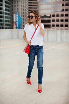 Flattering Boyfriend Jeans with RED ~~SweeT`` Look Fashion, Fashion Outfits, Womens Fashion, Red Heels Outfit, Red Shoes, Hello Fashion Blog, Casual Outfits, Cute Outfits, Moda Chic