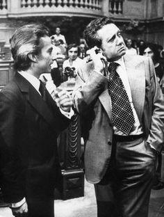 Galeria - Dr. Francisco SÁ CARNEIRO ( de fato mais escuro) assassiado (?!!) e Dr. Mário Soares, uma vida na política. Faleceu aos 92 anos, Janeiro/2017.