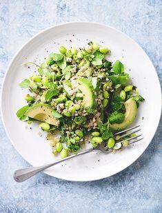 Edamame & Bulgur Salad - New Site Bulgur Recipes, Salad Recipes, Bulgar Wheat Salad, Healthy Salads, Healthy Recipes, Healthy Eating, Homemade Tahini, Edamame Salad, Mediterranean Quinoa Salad