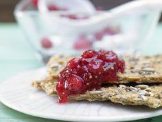 Feigen-Johannisbeer-Marmelade - mit Cassis - smarter - Kalorien: 31 Kcal - Zeit: 40 Min. | eatsmarter.de