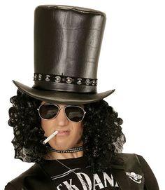 Slash -silinterihattu. Toisenlaisella maskeerauksella silinterihattu käy loistavasti myös vaikkapa Halloweenasusteeksi, vaikka joidenkin mielestä jo Slashin ulkonäkö on riittävä vuoden pelottavimpiin bileisiin.