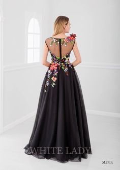 Summer Wedding Attire, Summer Bridesmaid Dresses, Summer Dresses, Disney Inspired Wedding Dresses, Romantic Bohemian Wedding Dresses, Red Ball Gowns, Ball Dresses, Evening Dresses, Flower Dresses