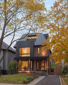 Modern brick house - Analyzing The Best Contemporary House Designs – Modern brick house Amazing Architecture, Interior Architecture, Modern Brick House, Loft Interior, Interior Walls, Interior Design, Toronto Houses, Suburban House, Home Fashion