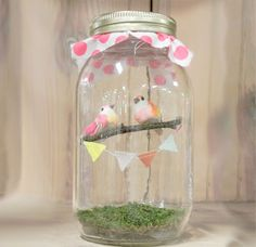 Sweet little mason jar for Spring decorating