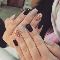 25 Elegant Nail Designs to Inspire Your Next Mani Unhas The post 25 Elegant Nail Designs to Inspire Your Next Mani appeared first on Berable. 25 Elegant Nail Designs to Inspire Your Next Mani Cute Acrylic Nails, Acrylic Nail Designs, Fun Nails, Nail Art Designs, Nails Design, Matte Nails, Gold Nails, Toe Nail Designs For Fall, Gel Polish Designs