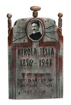 Nickola Tesla Tombstone