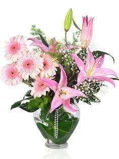 Cam kalp vazo içerisindeki bu çiçek aranjmanımıza http://www.cicekvitrini.com/cicekler/anneye-cicek adresini kullanarak sipariş verebilirsiniz.