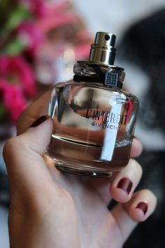 Pin by thelionsoul on My Beauty Stuff Pictures in 2019 Perfume 212, Book Perfume, Perfume Scents, Perfume Bottles, Expensive Perfume, Expensive Gifts, Nardo, Givenchy, Yves Saint Laurent