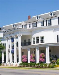 """Boone Tavern Hotel ~~ Built on the old """"Dixie Highway,"""" and named after early Kentucky explorer Daniel Boone, this historic hotel in Kentucky and accompanying restaurant are prominently located on the College Square in Berea, Kentucky."""