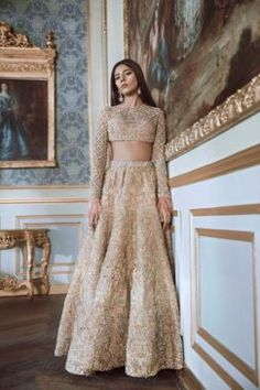 Pakistani Engagement Dresses For Brides In 2020 Indian Bridal Wear, Indian Wedding Outfits, Pakistani Bridal, Bridal Outfits, Bridal Lehenga, Indian Outfits, Lehenga Choli, Bridal Dresses, Eid Outfits