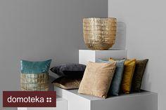 Poduszki w klasycznym, minimalistycznym stylu to gwarancja, że dopasują się praktycznie do każdego wnętrza. Zajrzyj do salonu BoConcept i wybieraj spośród wielu różnych materiałów i kolorów – oczywiście jak na klasykę przystało, stonowanych i pastelowych.