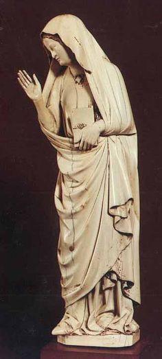 Vierge de annonciation ML fin XIIIe // Reims // Amiens // vierge Dormeuil association avec Chalandon factice