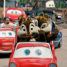 Chip and Dale loved visiting McQueen and Mater at Radiator Springs! #Disney #DisneylandParis Photo:E. Le Ray