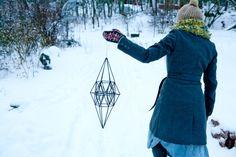 Handmade Ornaments, Geometric Designs, Diy Crafts, Fancy, Seasons, How To Make, Christmas Ideas, Diys, Diy Ideas