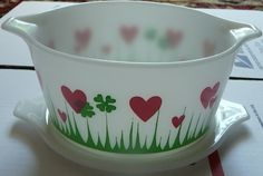 rare 1959 'Lucky in Love' Pyrex Casserole Dish with Lid - 473 One Quart, via Flickr.