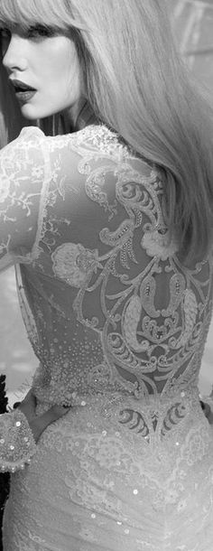 Inbal Dror | LBV ♥✤ wedding dress #weddingdress http://pronoviasweddingdress.com/