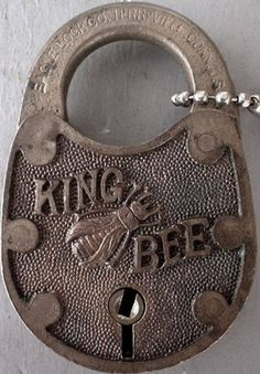 king bee pad lock - straight from WLS in the King Bee would always say, 'there is no Waukeegan'! - Home Decor Ideas Under Lock And Key, Key Lock, Antique Keys, Vintage Keys, Antique Hardware, King Bee, Knobs And Knockers, Door Knobs, I Love Bees