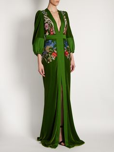 Elegant Deep V Emerald Green Embroidered Lantern Sleeve Evening Gown Dresses : Product number gender Woman Color Green season autumn?spring Skirt length Long skirt Material Cotton Blend Pattern type embroidery Sleeve Length Seven quarter Evening Gowns With Sleeves, Maxi Dress With Sleeves, Evening Dresses, Afternoon Dresses, Flapper Dresses, Dresses Elegant, Pretty Dresses, Fantasy Gowns, Velvet Gown