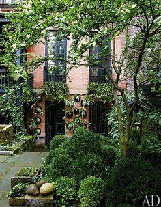 Julianne Moore's West Village Garden — Architectural Digest