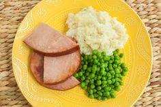 How to Reheat Leftover Ham Leftover Ham Recipes, Leftovers Recipes, Spiral Ham Crockpot, Leaf Tv, Quick Meals, Meal Planning, Hams, Cooking, Ethnic Recipes