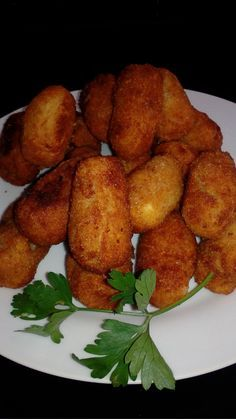 CROQUETAS en MONSIEUR CUISINE plus Esta receta esta sacada del blogs de monsieur cuisine y tengo que decir que quedan muy ricas.... Ingr... Recetas Monsieur Cuisine Plus, Tandoori Chicken, Food Styling, Cooking, Ethnic Recipes, Connect, Salads, Kitchen, Recipes