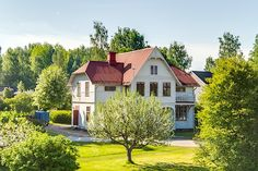 Klockarvägen 15 Home Fashion, House Ideas, Villa, Cabin, Paintings, Traditional, Mansions, Future, Architecture