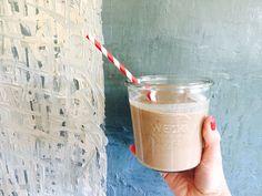 Dattel-Espresso Smoothie mit selbstgemachter Cashewmilch