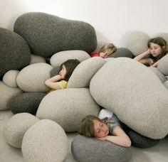 Cojines de piedra de la colección Livingstones de Smarin Design en DEF Deco | Decorar en familia.