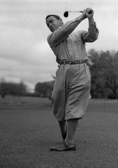 Explore the best Gene Sarazen quotes here at OpenQuotes. Quotations, aphorisms and citations by Gene Sarazen Vintage Golf, Vintage Men, Gene Sarazen, Us Open Golf, Famous Golfers, Masters Tournament, Golf Pictures, Plus Fours, Human Body