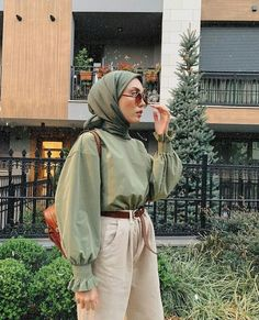 How to wear the maxi style with hijab. Source by amqidwi Outfits hijab Hijab Casual, Modest Fashion Hijab, Modern Hijab Fashion, Modesty Fashion, Hijab Fashion Inspiration, Hijab Chic, Muslim Fashion, Look Fashion, Hijab Fashion Style