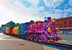 an artist crocheted a whole train in 4 days and it's taking me months to crochet a little blanket...