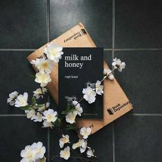 Milk and Honey - Rupi Kaur Good Books, Books To Read, Rupi Kaur, Coffee And Books, Best Love Quotes, Book Aesthetic, Poetry Books, Book Photography, Photography Aesthetic