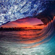 ❤️ Beautiful Sunset, Beautiful Places, Sun Moon Stars, Water Art, Gods Creation, Ocean Waves, Cool Photos, Amazing Photos, Surfing
