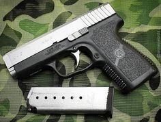 Manufacturer: Kahr Arms Mod. CW9 Type - Tipo: Pistol Caliber - Calibre: 9 mm Capacity - Capacidade: 7 Rounds Barrel length - Comp.Cano: 3.6 Weight - Peso: 447...