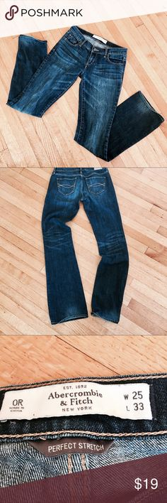ABERCROMBIE & FITCH Perfect Stretch Jeans 25W, 33L ABERCROMBIE & FITCH Perfect Erin Stretch Jeans in Size 25W, 33L. Gently worn and in good condition. Abercrombie & Fitch Jeans Straight Leg