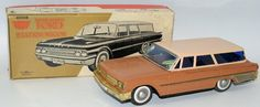 RARE 1961 Tin Battery Op #4008 FORD STATION WAGON