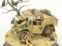 """""""Always Look on the Bright Side of Life"""" scale, Quad Gun Tractor. By Roy Schurgers. Army Vehicles, Armored Vehicles, Military Action Figures, Desert Colors, Bright Side Of Life, Model Tanks, Military Modelling, Military Diorama, Tamiya"""