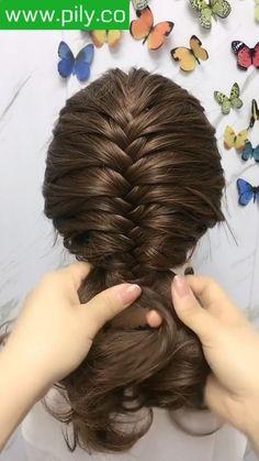 Bun Hairstyles For Long Hair, Braids For Short Hair, Braided Hairstyles, Medium Hair Braids, Indian Hairstyles, Girl Hairstyles, Front Hair Styles, Medium Hair Styles, Hair Style Vedio