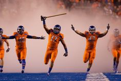 BSU rockin' the hammer and the orange. I was at this game!
