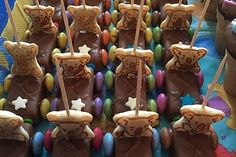 Schoko-Auto 14 Gingerbread Cookies, Desserts, Food, Autos, Cute Ideas, Kuchen, Kids, Gingerbread Cupcakes, Tailgate Desserts