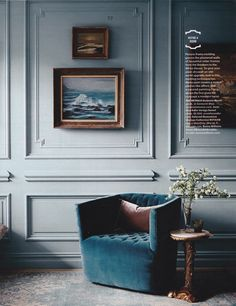 Habitually chic blue monday 15 january 2018 we are feeling the lately and by blues we mean this blue living area belonging to finishingtouchdecorbyjenny ! find home decor items to create your perfect cozy corner at decorsteals com Blue Painted Walls, Pale Blue Walls, Home Interior, Decor Interior Design, Interior Modern, Design Bedroom, Casa Milano, Picture Frame Molding, Decoration Bedroom