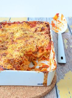 Lasagne - Lauras Bäckerei - Another! Yummy Pasta Recipes, Cooking Recipes, Healthy Recipes, I Love Food, Good Food, Yummy Food, Moussaka, Healthy And Unhealthy Food, Recipes
