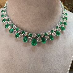 Complete the look of royalty with this diamond necklace fringed with lush emerald gemstone Emerald Jewelry, Gems Jewelry, Jewelry Accessories, Fine Jewelry, Jewelry Necklaces, Jewelry Design, Women Jewelry, Bracelets, Jewlery