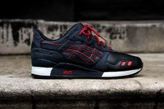 Dropping tomorrow at Kith NYC, Ronnie Fieg's latest collab with ASICS is the black-hearted Gel Lyte III Total Eclipse/Leather Toe. Jet black leather on the toe box sits in stark contrast to the red accenting, which is complemented by subtle grey tones and navy nubuck on the upper. Fieg's latest Gel Lyte III is an …